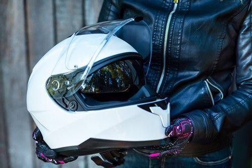 casco moto en verano